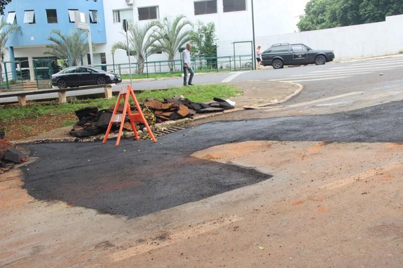 Operação tapa-buracos é iniciada no município de Araguari