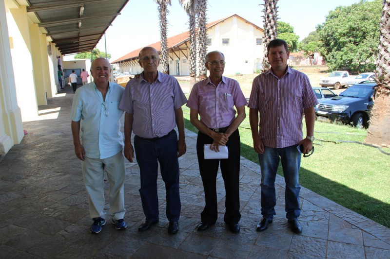 Prefeito discute estrutura para atendimento do SAMU em Araguari